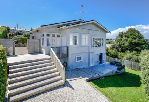 Onehunga, BUNGALOW WITH SEAVIEWS , Property ID: 29001055 | Barfoot & Thompson