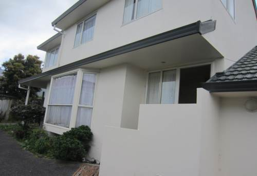 Mt Roskill, HONEY IN MT. ROSKILL- SPACiOUS HOME, Property ID: 29002133 | Barfoot & Thompson