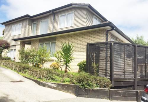 Lynfield, MODERN TOWN HOUSE DELIGHT, Property ID: 29002134 | Barfoot & Thompson