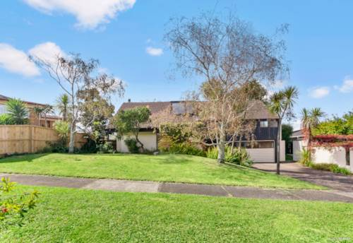 Sunnyhills, Backyard Bliss  - Zoned With Options, Property ID: 810996 | Barfoot & Thompson