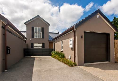 Mangere Bridge, STUNNING AND ALMOST NEW!!, Property ID: 29002148 | Barfoot & Thompson