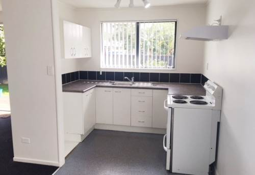 Mangere East, RENOVATED AND COSY, Property ID: 29002173 | Barfoot & Thompson