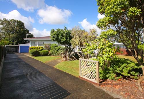 Papakura, GOING GOING GONE!! SUNNY HOME IN PAPAKURA, Property ID: 29002174 | Barfoot & Thompson