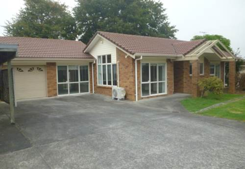Hobsonville, Lovley Brick and Tile , Property ID: 62000803 | Barfoot & Thompson