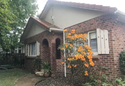 Onehunga, COSY HOME IN ONEHUNGA, Property ID: 29002238 | Barfoot & Thompson