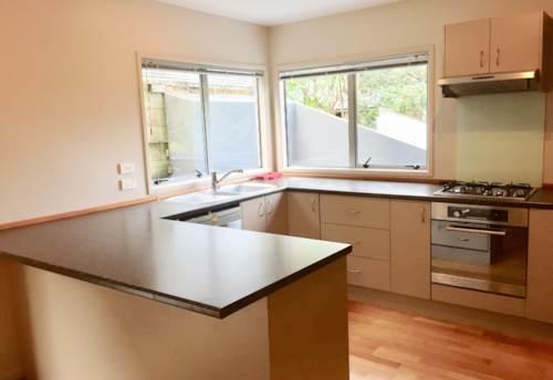 Hillsborough, Modern Living , Property ID: 29002260 | Barfoot & Thompson