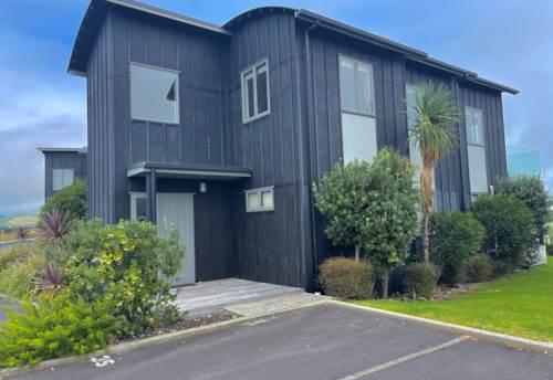 Matarangi, Enjoy the lifestyle and the Lakefront, Property ID: 806860 | Barfoot & Thompson
