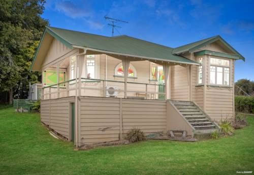 Pukekohe, Five hectares, Character Villa only mins to Town, Property ID: 811119 | Barfoot & Thompson