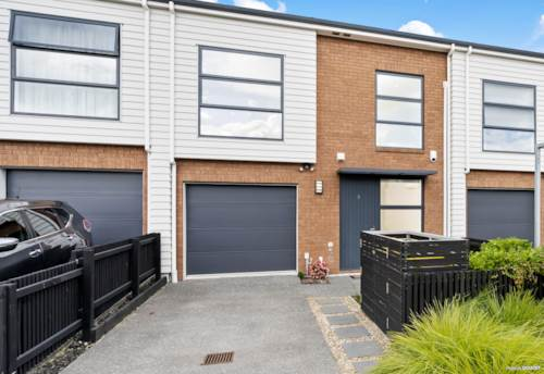 Hobsonville, 3 Beddie & Garage, Tranquil Lane Way Position!, Property ID: 811088 | Barfoot & Thompson