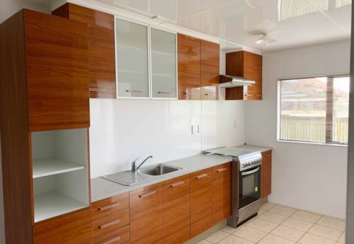 Mangere, SPACIOUS FOUR BEDROOM!!, Property ID: 29002370 | Barfoot & Thompson