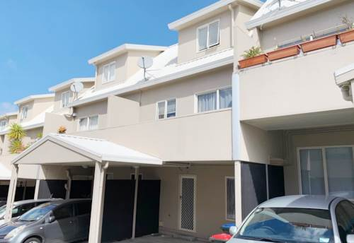 Onehunga, THREE BEDROOM TOWNHOUSE!, Property ID: 29002372 | Barfoot & Thompson