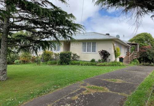 Mt Roskill, SPACIOUS MT ROSKILL HOME, Property ID: 29002374 | Barfoot & Thompson