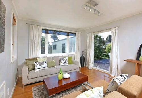 Remuera, FABULOUS HOME IN REMUERA FOR RENT -  PETS NEGOTIABLE, Property ID: 30001738   Barfoot & Thompson