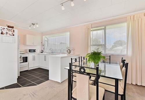 Manurewa, Two Bedroom Home in Manurewa , Property ID: 58003162 | Barfoot & Thompson