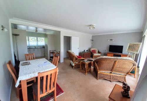 Remuera, Beautiful sunny unit between Remuera and Newmarket, Property ID: 30001804 | Barfoot & Thompson