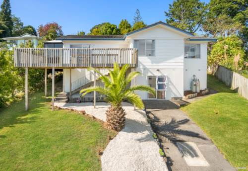Glenfield, Great buying in Glenfield, Property ID: 810825 | Barfoot & Thompson