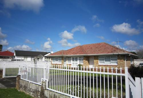 Papatoetoe, FURNISHED - WELL PRESENTED HOME, Property ID: 30002030 | Barfoot & Thompson