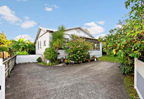 New Lynn, LOCATION - LOCATION - CHARACTER, Property ID: 810633 | Barfoot & Thompson