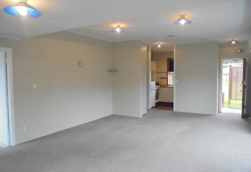 Mt Wellington, FULL SITE - FULLY FENCED - TIDY HOME, Property ID: 30002324 | Barfoot & Thompson