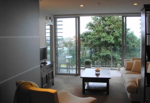 Eden Terrace, EXECUTIVE APARTMENT - STUNNING VIEWS, Property ID: 30002330 | Barfoot & Thompson