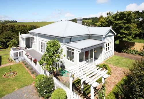 Pukekohe, OUTSTANDING PROPERTY - POOL, Property ID: 30002338   Barfoot & Thompson