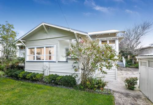 Greenlane, Four Bedroom Bungalow - Double Grammar Zone, Property ID: 30002360 | Barfoot & Thompson