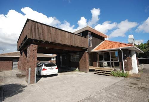 Mt Wellington, 2 level townhouse waiting for you , Property ID: 30002445 | Barfoot & Thompson