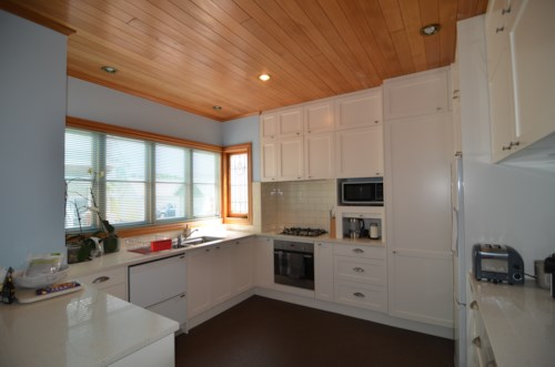 Greenlane, CENTRALLY LOCATED BEAUTY, Property ID: 30002451 | Barfoot & Thompson