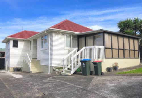 Mt Wellington, 3 BEDROOM - CONSERVATORY - FULLY FENCED, Property ID: 30003479 | Barfoot & Thompson