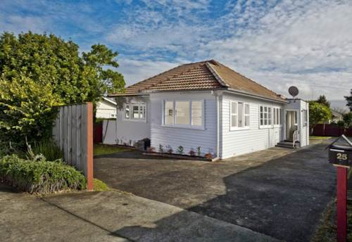 Takapuna, GREAT PROPERTY IN GREAT LOCATION, Property ID: 30003508 | Barfoot & Thompson