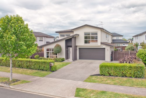 Karaka, LAKE SIDE LIVING IN KARAKA, Property ID: 30004544 | Barfoot & Thompson
