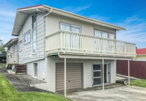 Bucklands Beach, A lovely family home close to schools and amenities, Property ID: 30004556 | Barfoot & Thompson