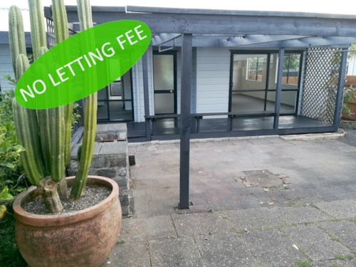 Onehunga, RECENTLY REDECORATED - 3 BEDROOMS - NO LETTING FEE, Property ID: 30004580 | Barfoot & Thompson
