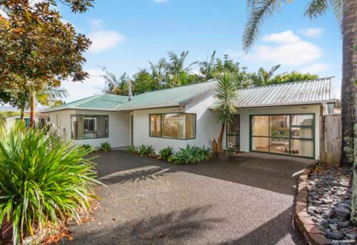 Te Atatu Peninsula, Your 'Pacific' Hideaway!, Property ID: 809446 | Barfoot & Thompson