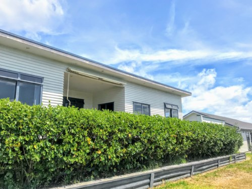 Mangawhai Heads, 3 BEDROOM - GARAGE - MOUNTAIN VIEWS, Property ID: 30004610 | Barfoot & Thompson