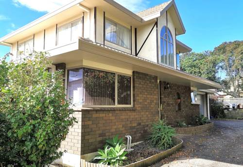 Greenlane, GREENLANE 4 BEDROOMS 2 BATHROOMS, Property ID: 30004632 | Barfoot & Thompson