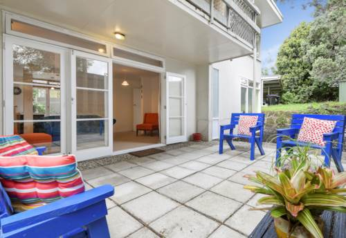 Greenlane, 2 BEDROOM - LOVELY OUTDOORS - MODERN KITCHEN AND BATHROOM, Property ID: 30004654 | Barfoot & Thompson