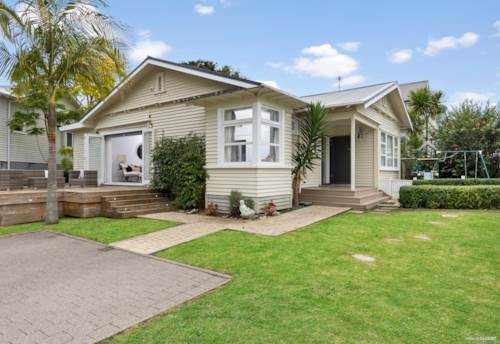 Remuera, Classic Bungalow in a sought after location, Property ID: 810702 | Barfoot & Thompson
