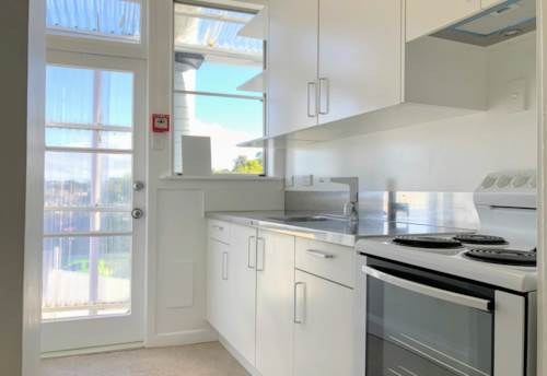 Epsom, Recently Renovated and Spacious One Bedroom Unit, Property ID: 30004737 | Barfoot & Thompson