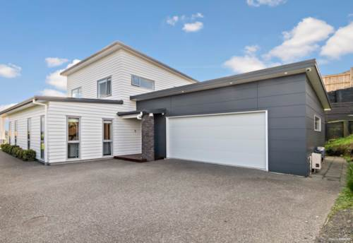 Pukekohe, BEST POSITION FOR VIEWS, Property ID: 810929 | Barfoot & Thompson