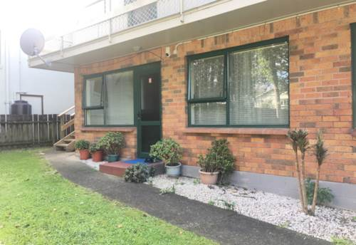 Otahuhu, Rent incl water & lawn - 5/30 Tamaki Ave, Property ID: 31001283 | Barfoot & Thompson