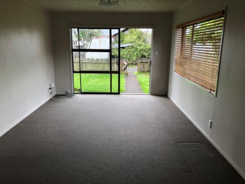 Mangere East, Spacious, brick & tile 3 bedroom home on Miami St, Property ID: 31001401 | Barfoot & Thompson