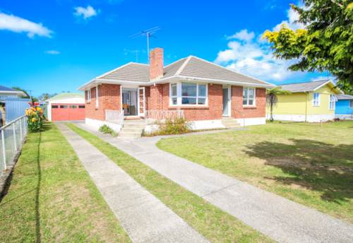 Mangere, Standalone home with external garage, Property ID: 31001499 | Barfoot & Thompson