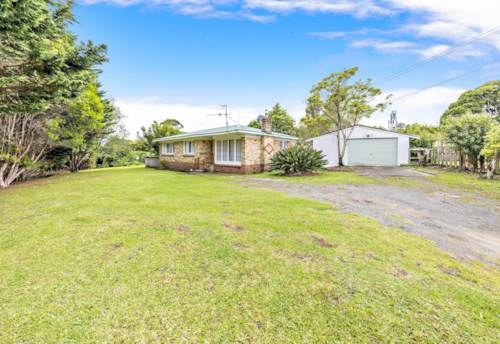 Papatoetoe, Spacious backyard on Ashlynne Ave, Property ID: 31001699 | Barfoot & Thompson
