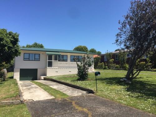Pakuranga, Family Home In Handy Location, Property ID: 32001101 | Barfoot & Thompson
