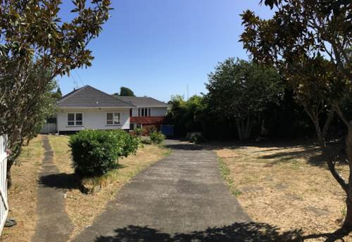 Howick, Large Howick House, Property ID: 32001474 | Barfoot & Thompson