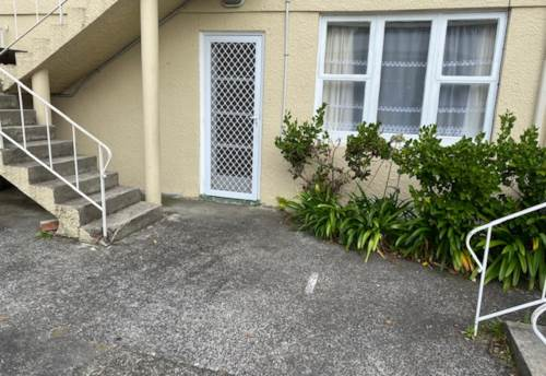 Kingsland, Two Bedroom Unit in Kingsland, Property ID: 39003411 | Barfoot & Thompson