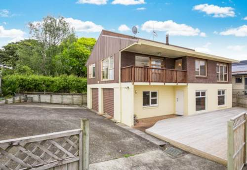 Pukekohe, Spacious Family Home, Property ID: 32002514 | Barfoot & Thompson