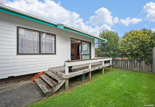 Papakura, CALLING FIRST HOME BUYERS OR INVESTORS, Property ID: 811296 | Barfoot & Thompson