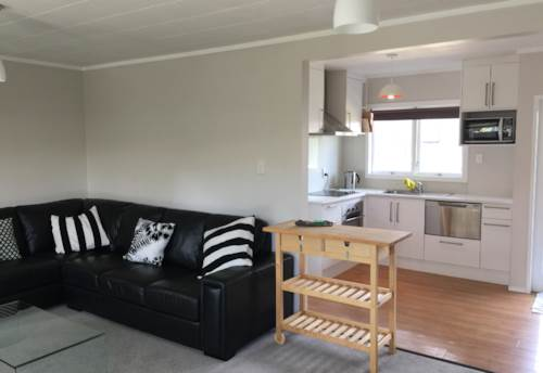 Pakuranga, Private Hideaway Honey, Property ID: 32002627 | Barfoot & Thompson